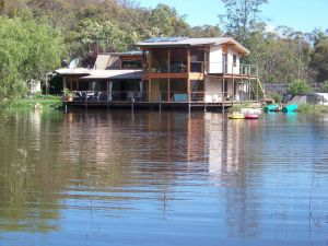 Lakeside Lodge - Accommodation Australia