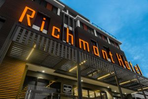 Mantra Richmont Hotel - Accommodation Australia